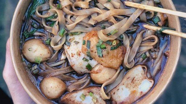 boat noodle bangkok street food