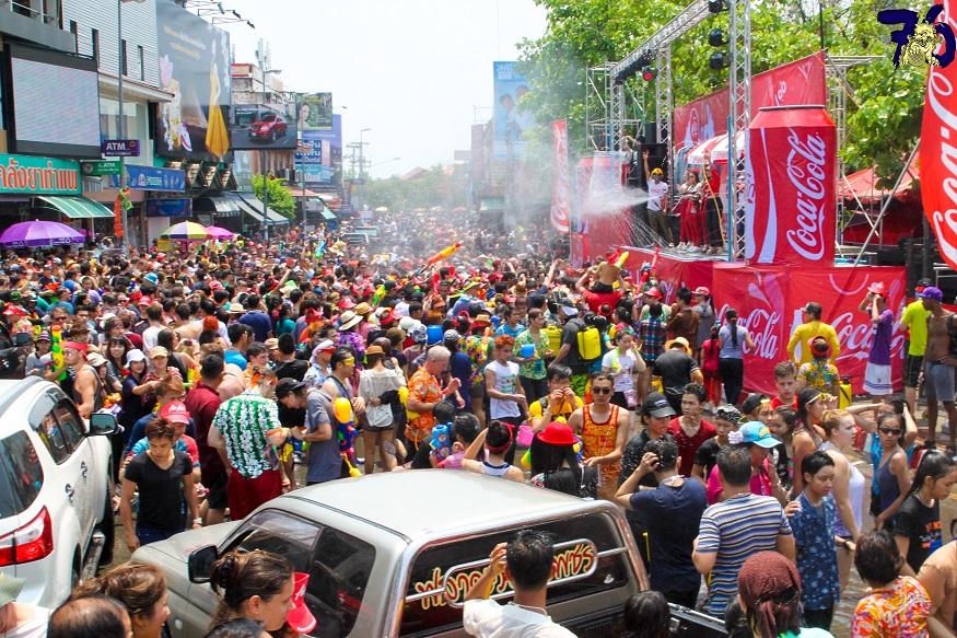 songkran thailande festival phuket