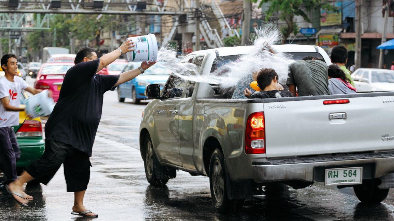 songkran jet eau voiture
