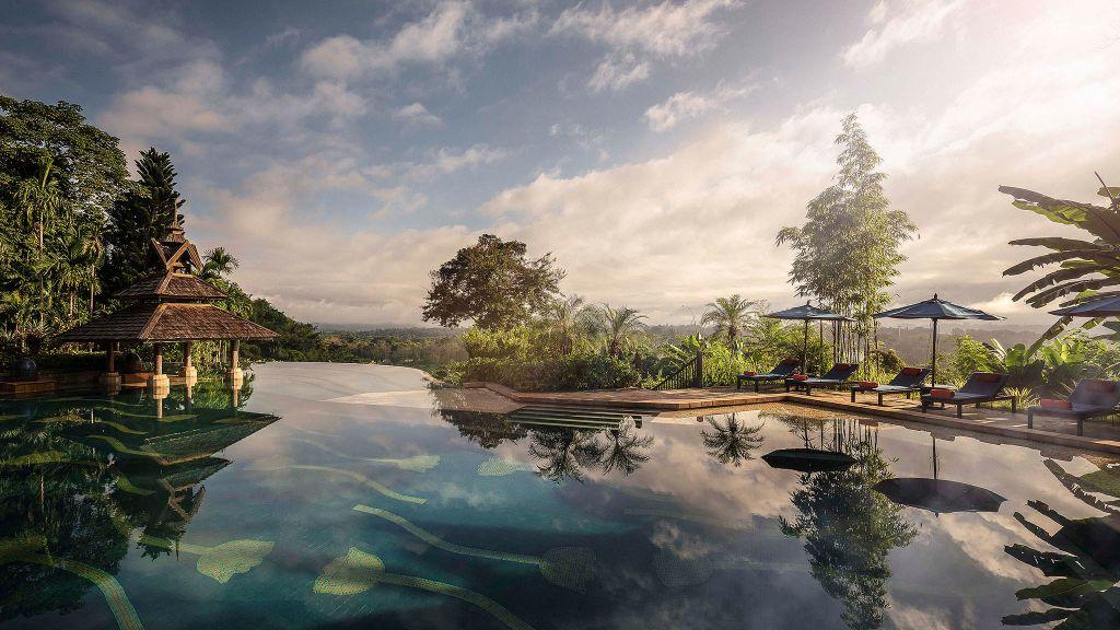 piscine de l'hotel dans la jungle thailandaise des éléphants