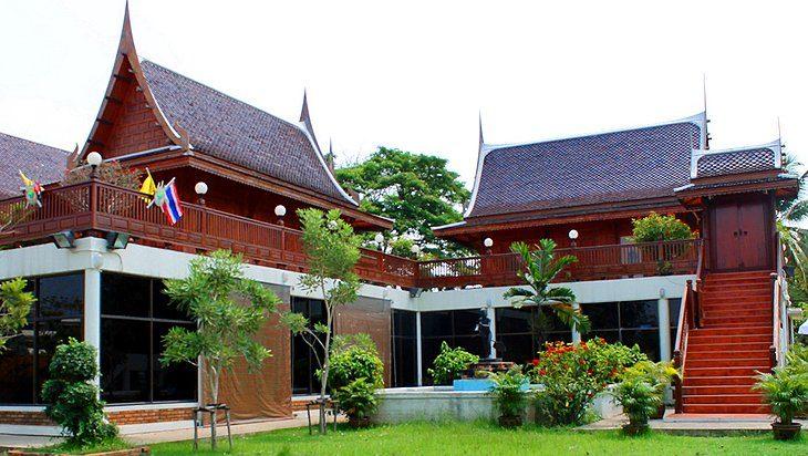 Chao Sam Phraya National Museum ayutthaya