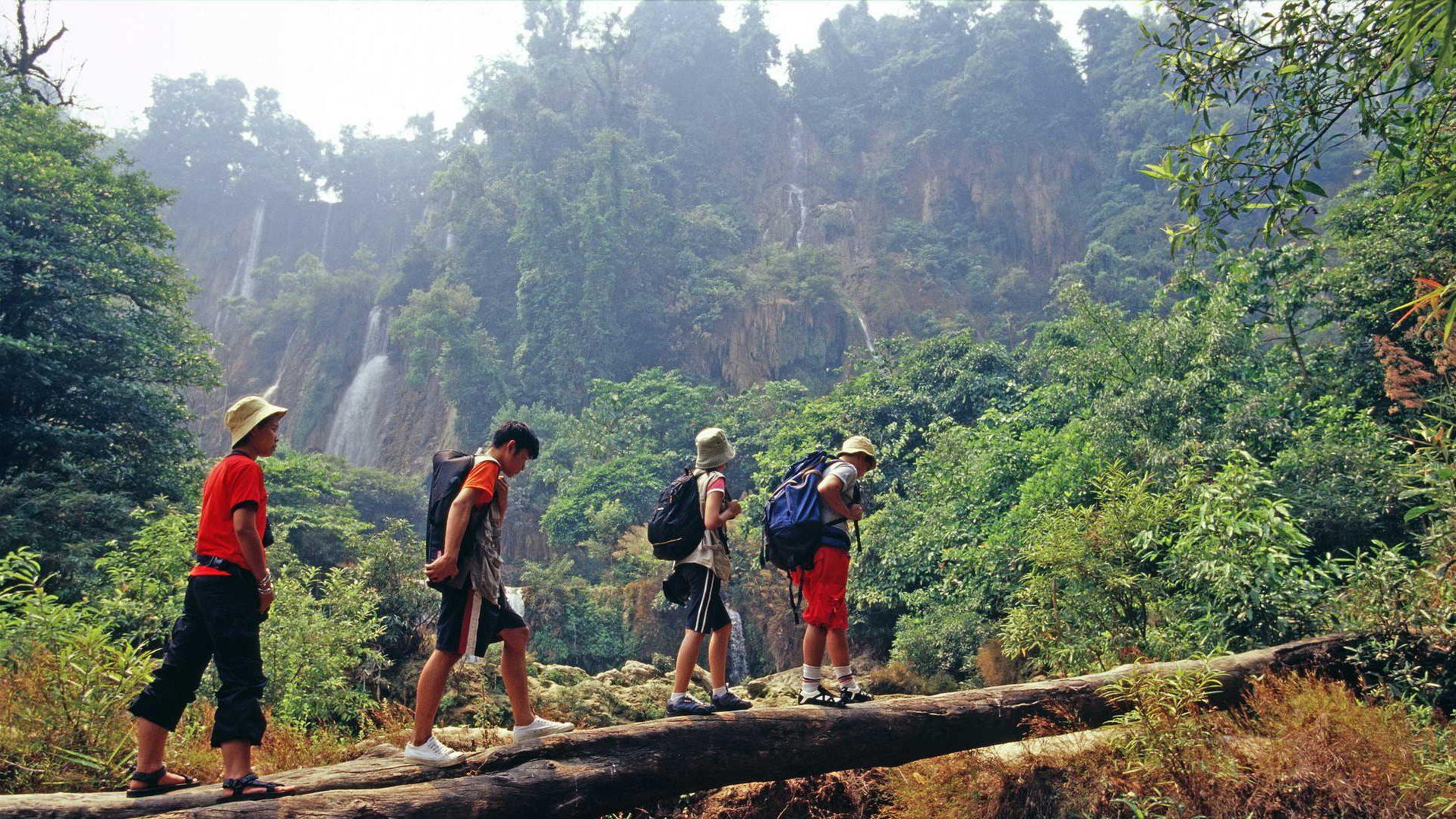 trek village thailande